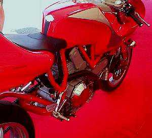 Ducati 900 MHE- right side view
