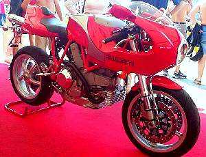 Ducati 900 MHE- right front view